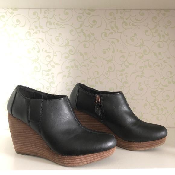 c9f58900de2 Dr. Scholl s Shoes - Dr. Scholl s Harlie wedge booties